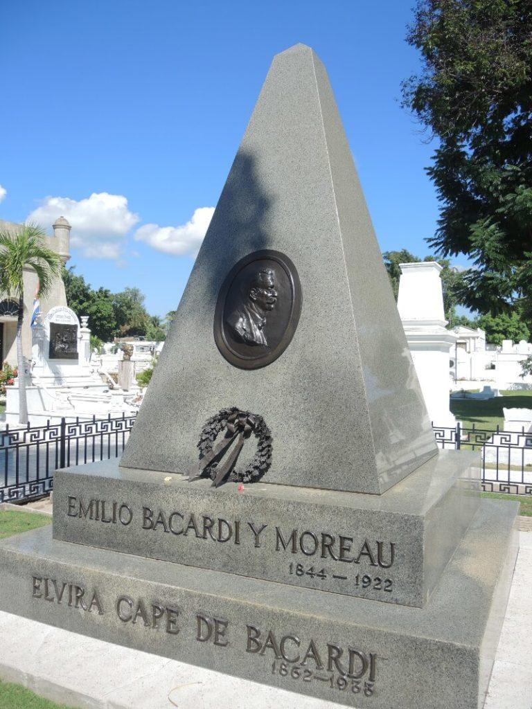 Kuba Sehenswürdigkeiten - Emilio Bacardí Moreau Grabstein