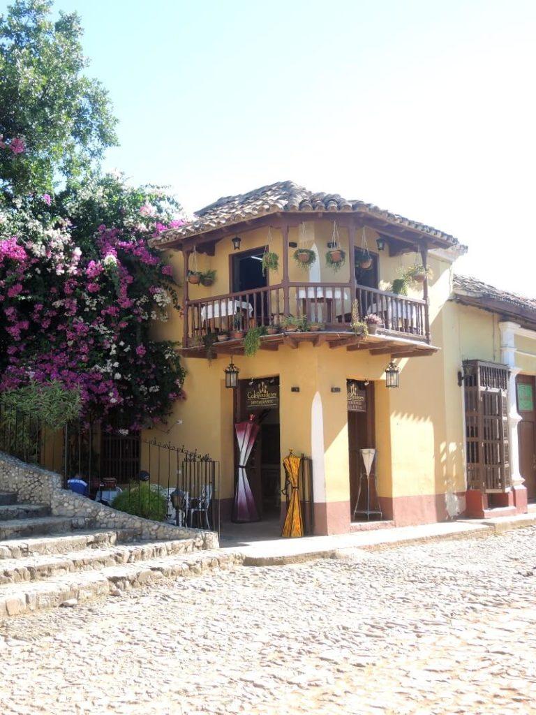 Kuba Sehenswürdigkeiten - Haus und Treppe Trinidad