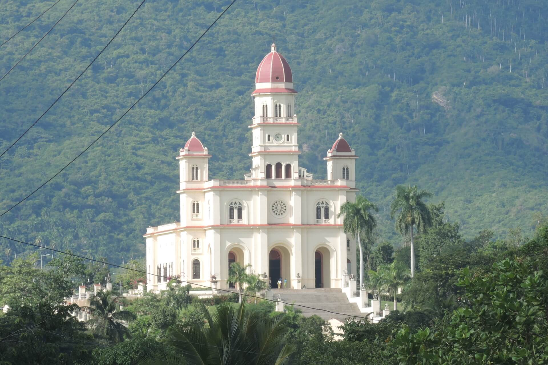 Kuba Sehenswürdigkeiten - Wallfahrtskirche El Cobre Santiago de Cuba