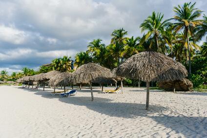 Varadero Resort weißer Strand mit Palmen